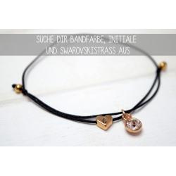 Armband mit Herzperle, deinem Initial und Swarovski Element in Gold