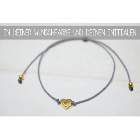 Armband mit Herzperle und deinem Initial inGold