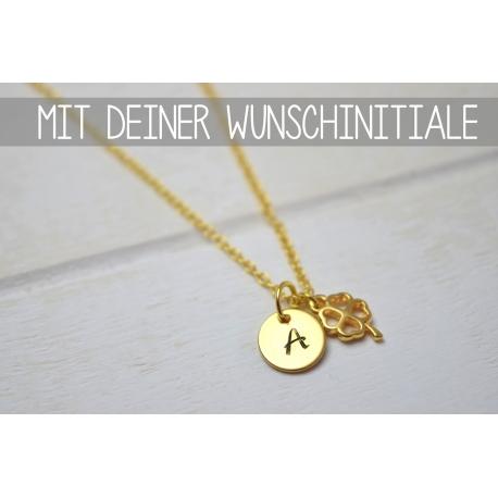 Goldene Halskette mit deiner Initiale und Kleeblatt Anhänger