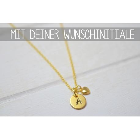 Goldene Halskette mit deiner Initiale und Herz Anhänger