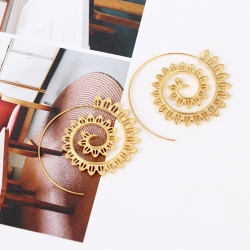 Goldene Spiralohrringe mit Lotusblüten